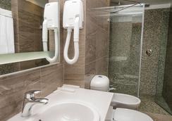 Center Hotel - 상트페테르부르크 - 욕실