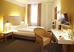 호텔 네포무크 - 밤베르크 - 침실