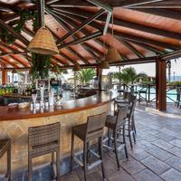 Gran Castillo Tagoro Family & Fun Playa Blanca Hotel Bar