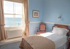 더 퀸즈 호텔 - 펜잰스 - 침실