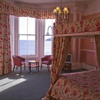 더 퀸즈 호텔