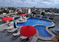 Bénin Royal Hôtel - Cotonou - 수영장