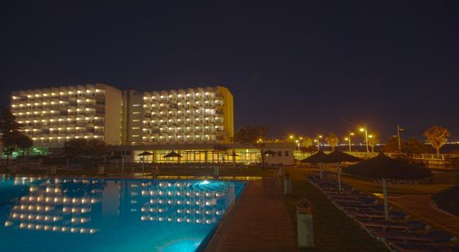 Hotel Puertobahia & Spa - El Puerto de Santa Maria - 건물