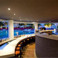 크리스탈 그랜드 푼타 칸쿤 Poolside Bar