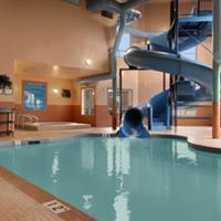 Days Inn - Red Deer Indoor pool with waterslide