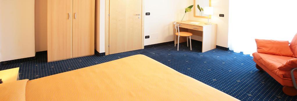 호텔 벨리니 - 리그나노 사비아도로 - 침실