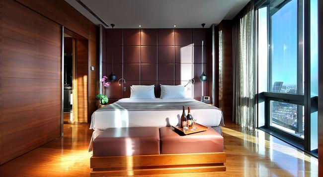 유로스타 마드리드 타워 호텔 - 마드리드 - 침실