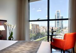 Hotel Via Castellana - 마드리드 - 침실