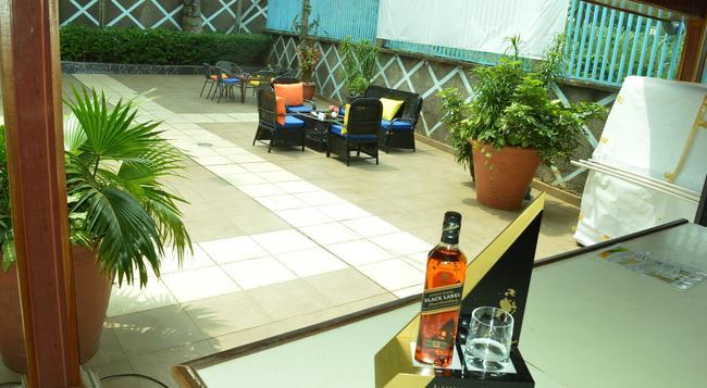 Hotel Franco - Yaounde - 수영장