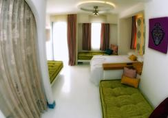 La Brezza Suite & Hotel - 보드룸 - 침실
