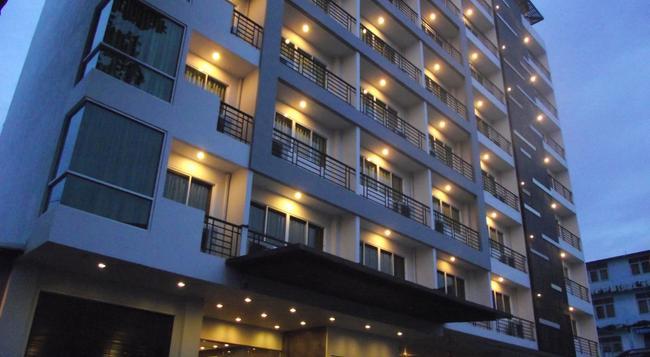 14 리빙 - 방콕 - 건물