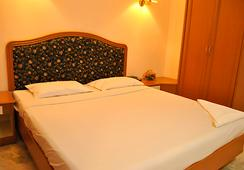 호텔 앗차야 - 첸나이 - 침실