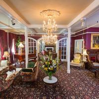 퀸 앤 호텔 Lobby Sitting Area