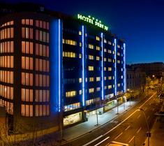 살레스 호텔 페레 IV