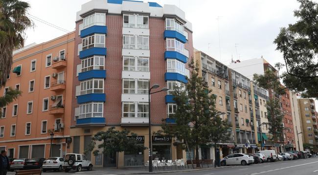 B&B Habitaciones Barra89 - 발렌시아 - 건물