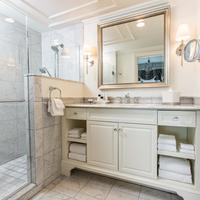 Belmond Charleston Place Bathroom