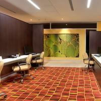 코트야드 바이 메리어트 레온 앳 폴리포룸 Business center