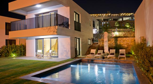 Bodrum Luxury Villas - 보드룸 - 건물