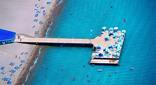 타이타닉 비치 라라 호텔 - 안탈리아 - 해변