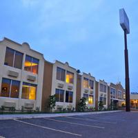 Mision Express Mcallen Hotel Front - Evening/Night