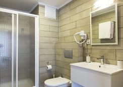 MB City Hotel - 이즈미르 - 욕실