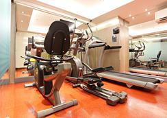브이 레지던스 호텔 앤 서비스 아파트먼트 - 방콕 - 체육관
