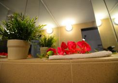 Hotel Biscuit - 클루이나포카 - 욕실