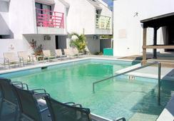 Coco Plum Resorts Bahamas - 나소 - 수영장