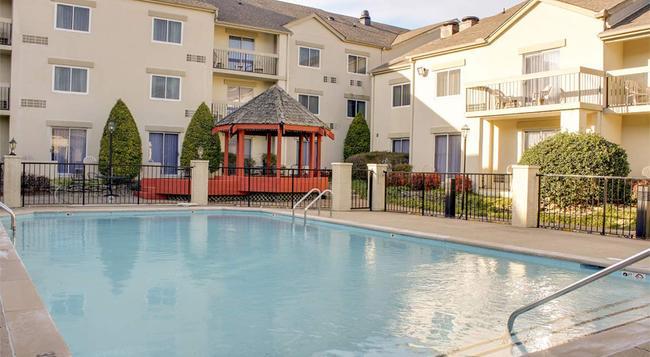 Club - Hotel Nashville Inn & Suites - 내슈빌 - 건물