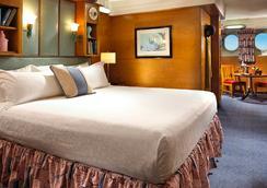 더 퀸 마리 호텔 - 롱비치 - 침실