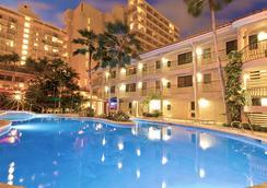 와이키키 샌드 빌라 - 호놀룰루 - 수영장