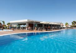 Hotel Apartamento Balaia Atlantico - 알부페이라 - 수영장