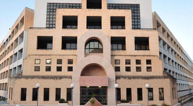 The St. George's Park Hotel - 세인트줄리안 - 건물