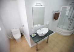 쿠라바 호텔 - 시아누크빌 - 욕실