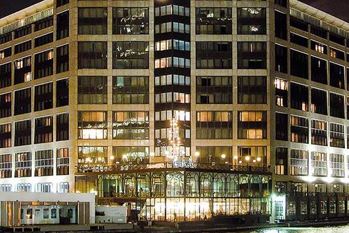 브리타니아 더 인터내셔널 호텔 런던, 카나리 와프 - 런던 - 건물