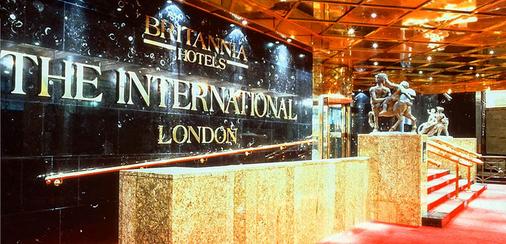 브리타니아 더 인터내셔널 호텔 런던, 카나리 와프 - 런던 - 프론트 데스크