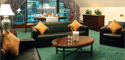 브리타니아 더 인터내셔널 호텔 런던, 카나리 와프 - 런던 - 거실