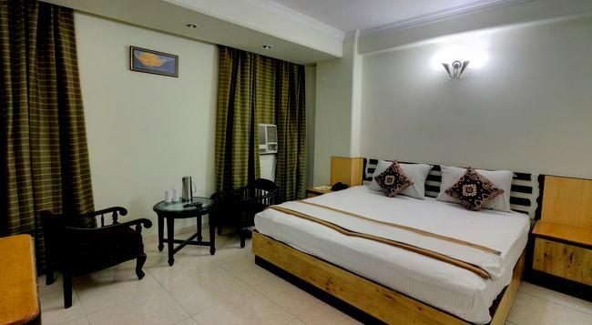 호텔 화이트 하우스 - 뉴델리 - 침실