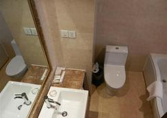 그린트리 이스턴 쿠저우 헤우 로드 호텔 - Quzhou - 욕실