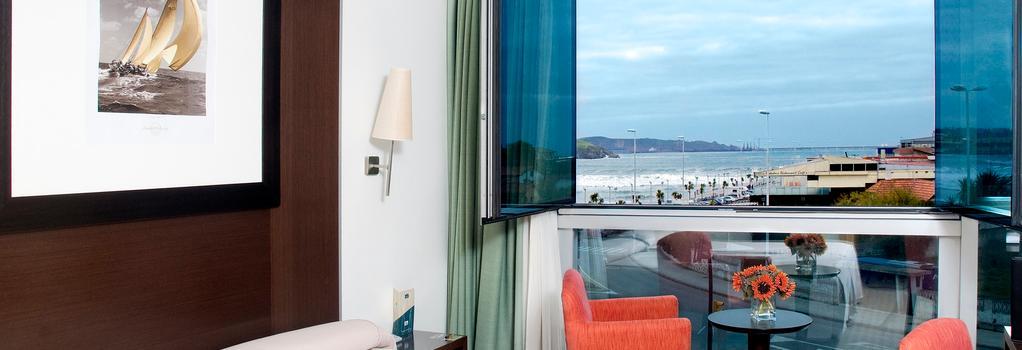 Hotel Abba Playa Gijon - 히혼 - 침실