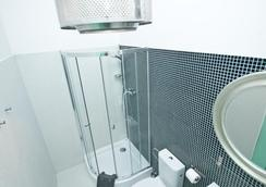 로프트호텔 센 프츠촐리 - 바르샤바 - 욕실