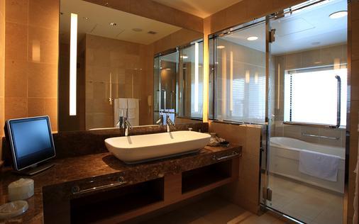 호텔 몬토레 그라스미아 오사카 - 오사카 - 욕실
