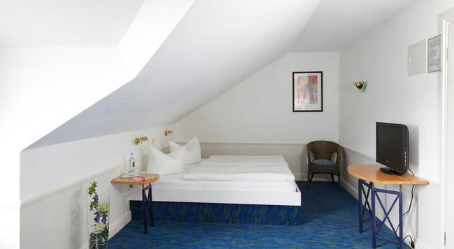 Hotel Residenz - 제바트헤링스도르프 - 침실
