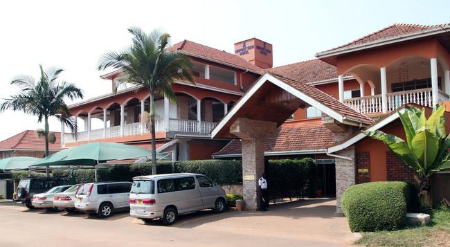 에어포트 뷰 호텔 - Entebbe - 건물