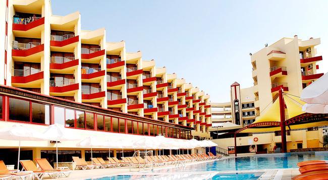 Taksim International Obakoy Hotel - 알라냐 - 건물