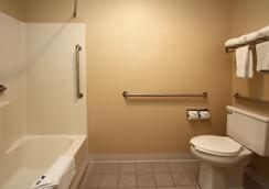 New Victorian Inn & Suites Kearney - 키어니 - 욕실