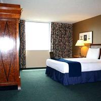 Jack London Inn Guestroom