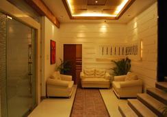 Hotel Millennium - Guwahati - 로비
