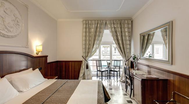 나키사 인 - 로마 - 침실
