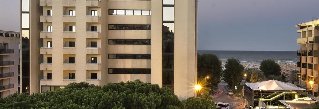 Hotel Sporting Rimini - 리미니 - 건물